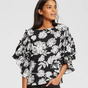 WHO WHAT WEAR Ruffle Sleeve Floral Blouse Medium